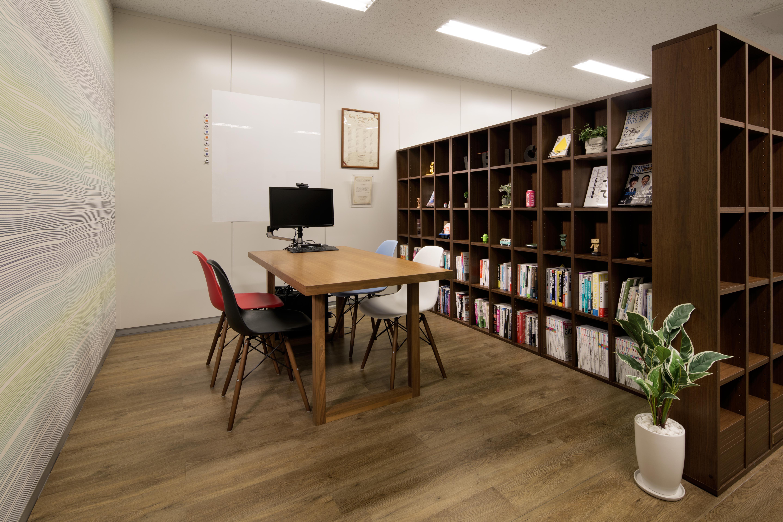 velc_office-004